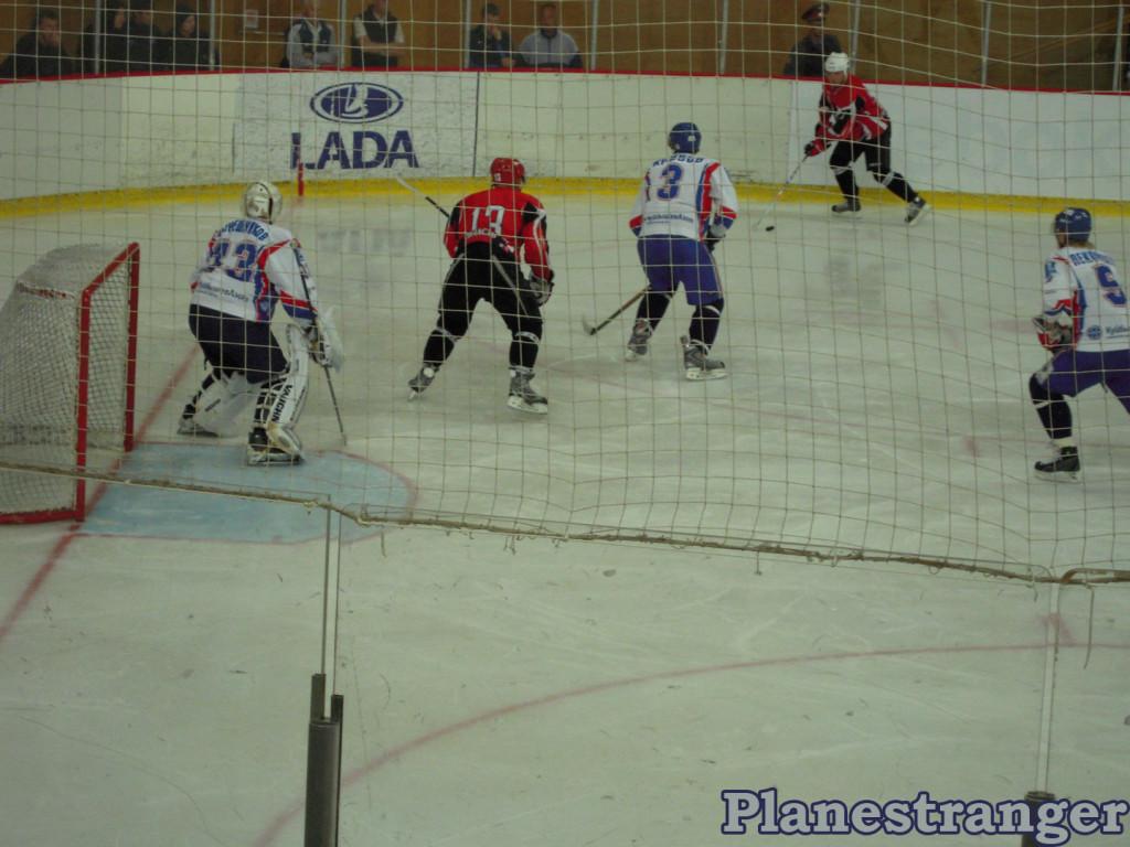 Хоккей атака