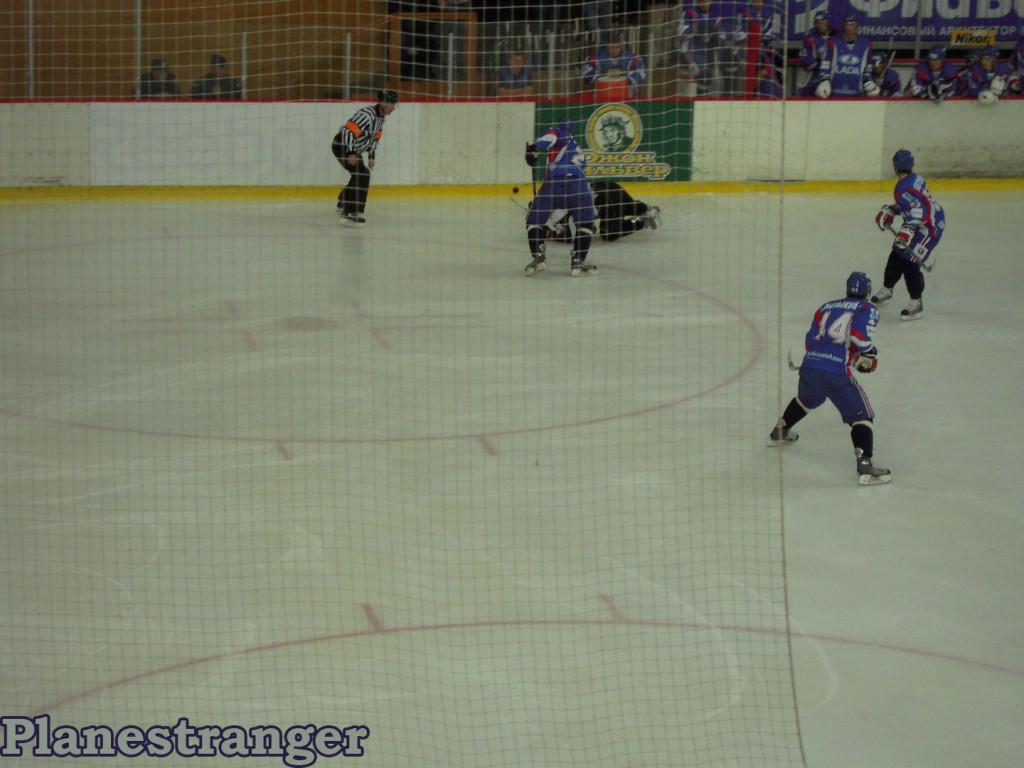 хоккей падение