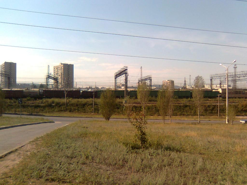 дома близко к железной дороге