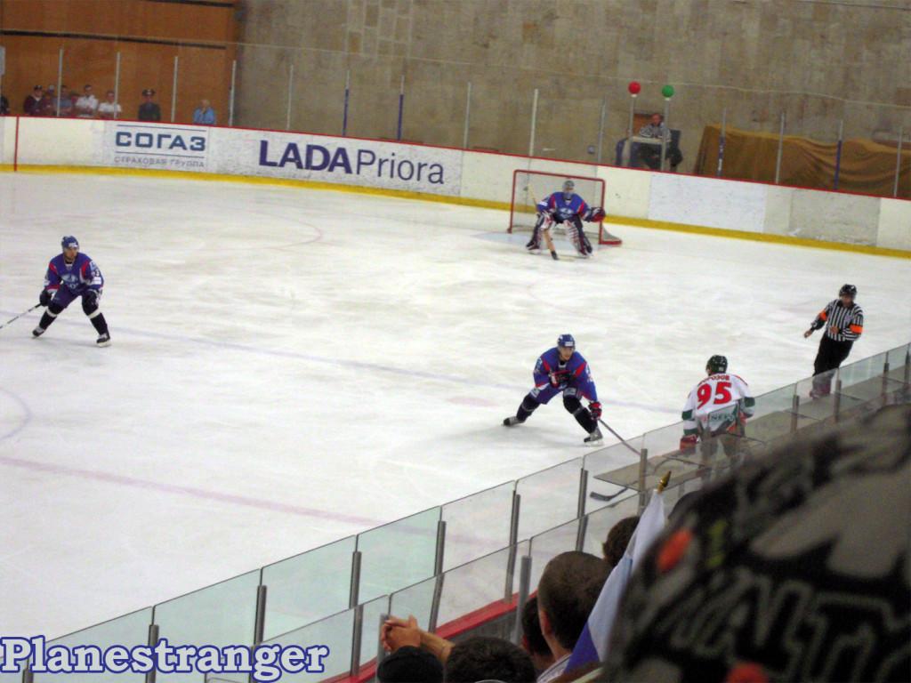 Алексей Морозов против защитника Лады