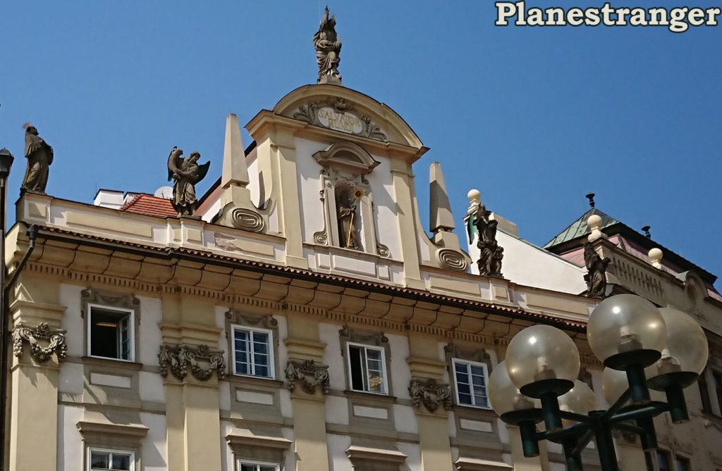 sculptures скульптуры old town square prague